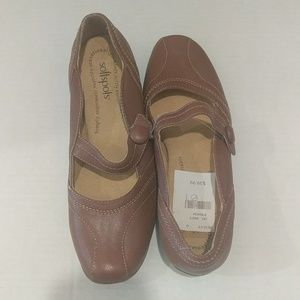 SOFTSPOTS WOMEN BROWN LEATHETY SHOES SIZE 7N NWD